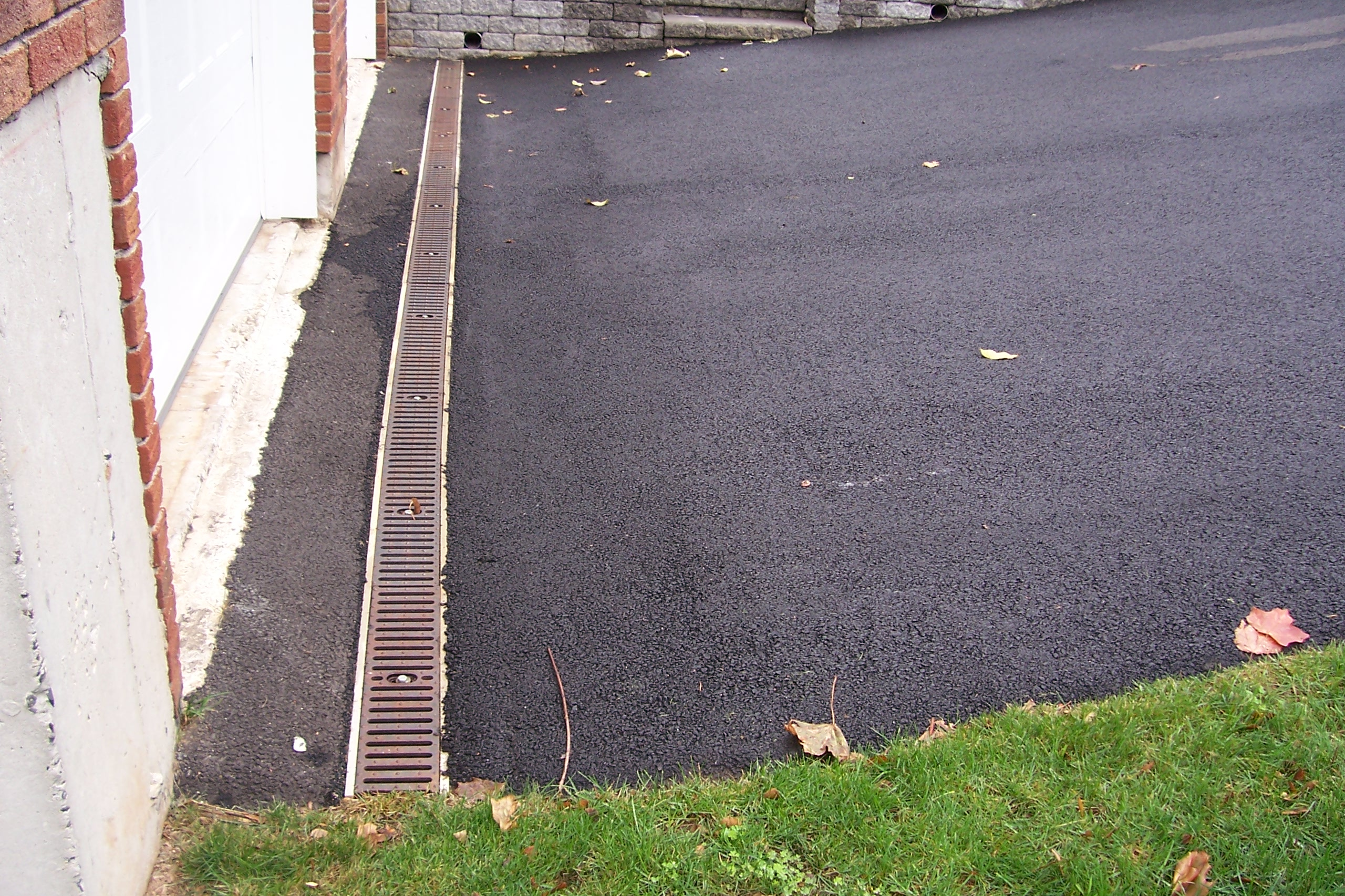Top 28 driveway drainage driveway drainage solutions for Driveway trench drain
